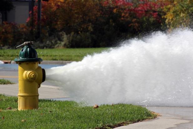 hydrant-2838016_1920